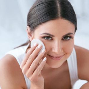 Mamaearth Rose Face Toner for Detoxifies Skin