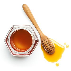 mamaearth vitamin c bamboo sheet mask with honey