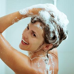 Mamaearth Apple Cider Vinegar Shampoo Strengthens Hair Roots